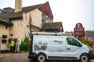 Mitton Van and engineer outside Toby Carvery